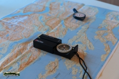 Mit Kompass und Abroller ermittelten wir die nächste Etappe.