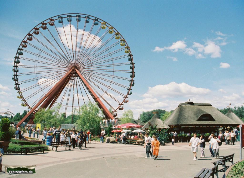 Das Riesenrad als Markenzeichen des Spreeparks 1992.
