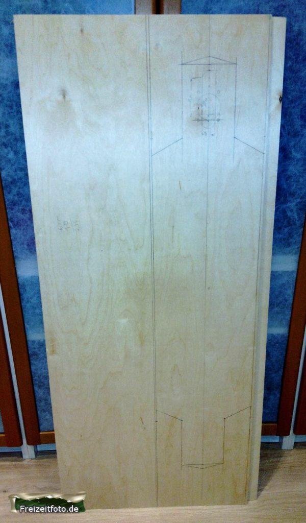 Grundrisse mit Bleistift auf dem Longboard sind erstellt.