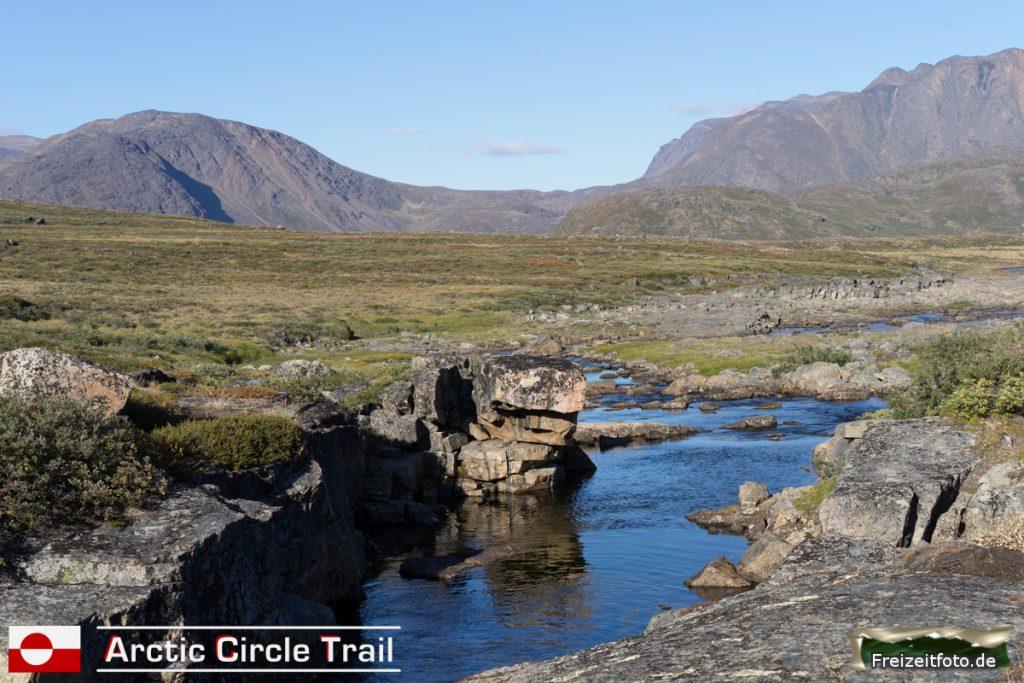 Ein Fluss nördlich der Hütte Innajuattoq II.