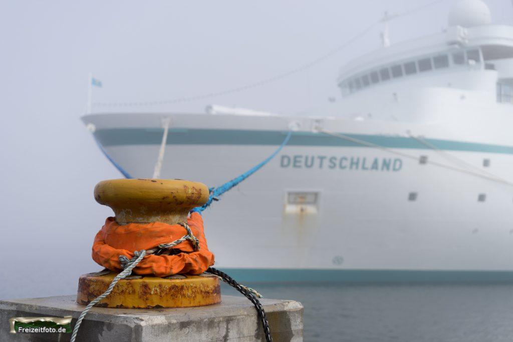 MS-Deutschland im Nebel.