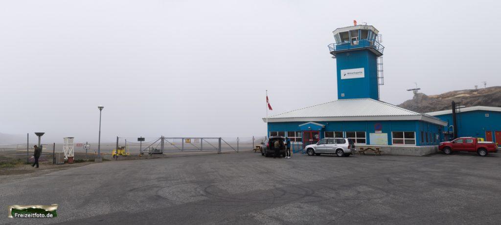 Flughafen von Sisimiut. Bei Nebel fliegt hier gar nichts.