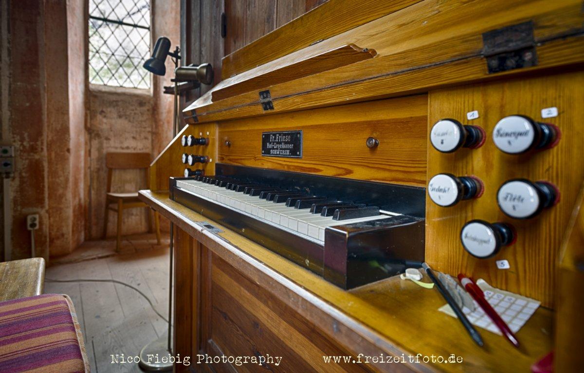 Kloster Ruehn 09 Orgel Freizeitfoto