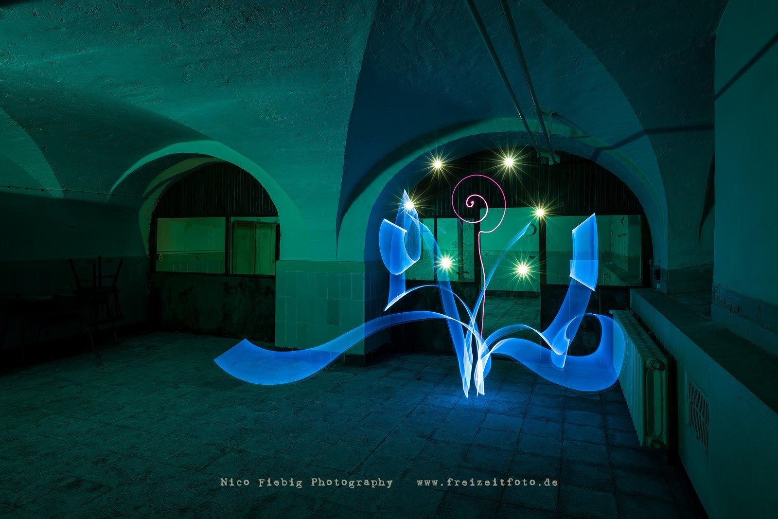 Lightpainting Elemental